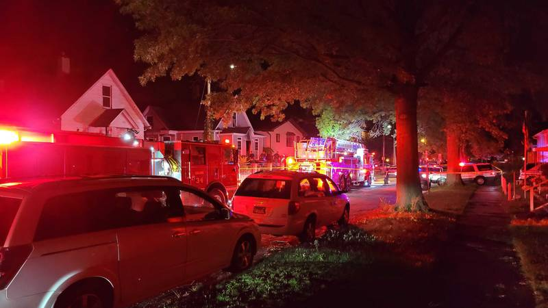Crews respond to overnight house fire in Rock Island, Ill. (KWQC)