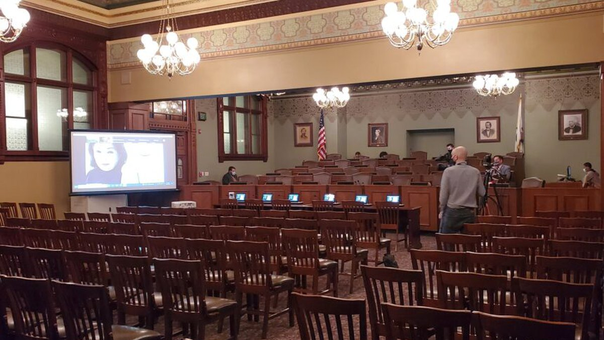 Illinois redistricting hearing draws little interest from the public