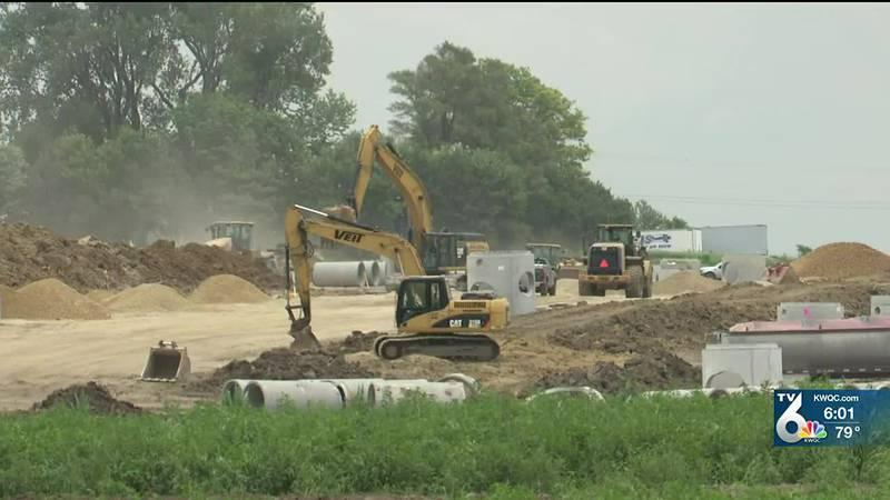 Amazon coming to Davenport, bringing 1,000 jobs