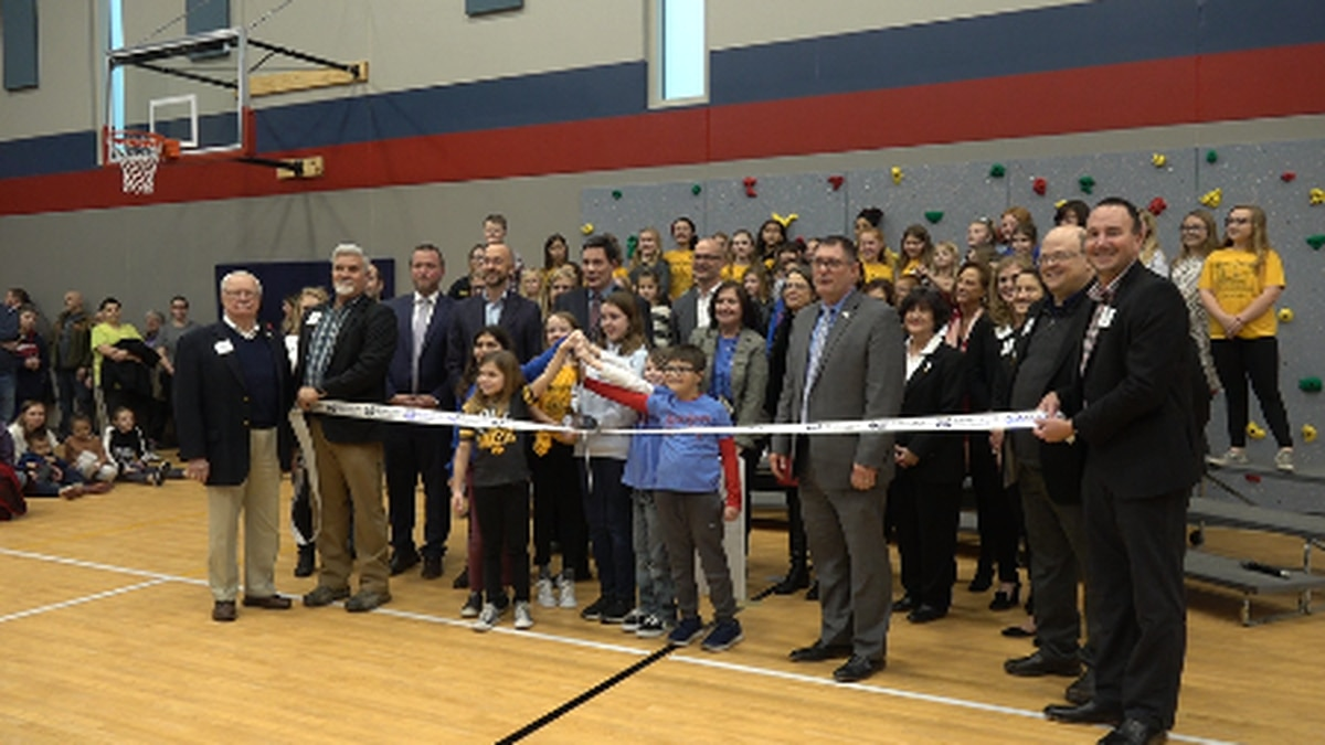 Students will soon start attending Bettendorf's newly-remodeled Mark Twain elementary school. It was a project that cost nearly $17 million dollars. Now that the remodeling is finished, families and students are finally able to go inside and enjoy the space.