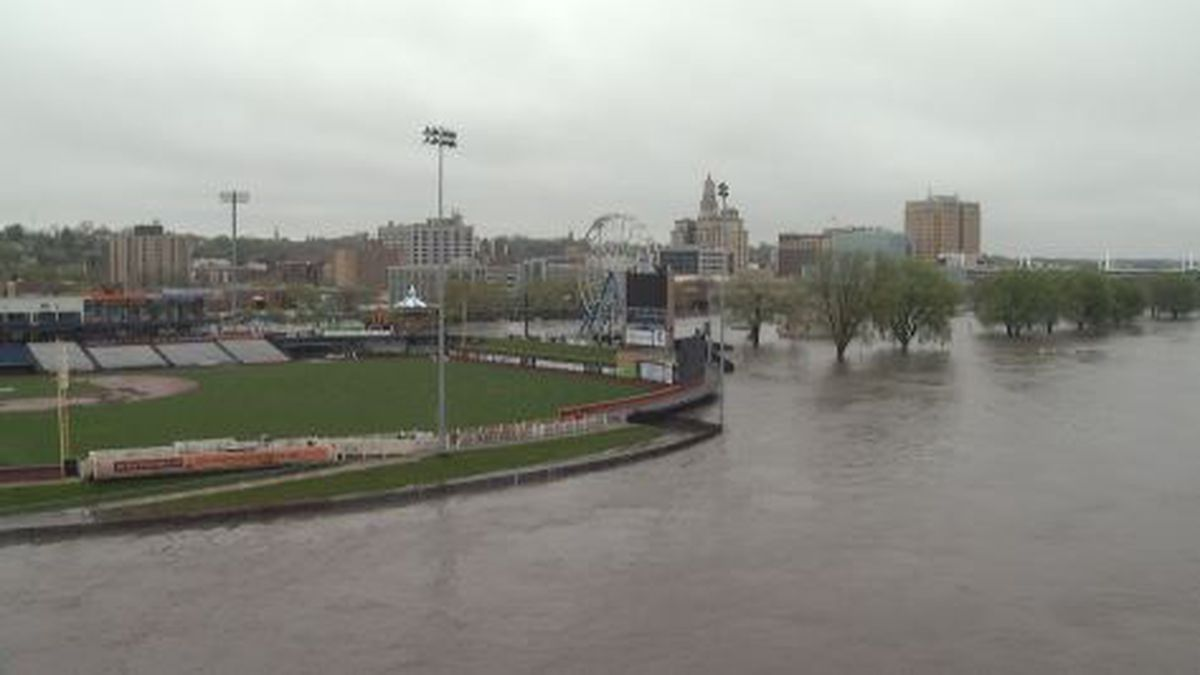Forecast: Mississippi River to reach record level in Quad ...