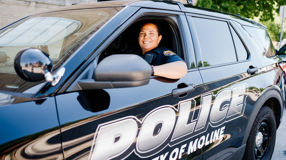 After 25 years of service, Moline Police Officer Becky Sargeant has retired.