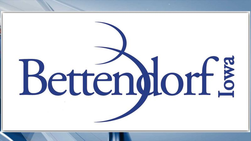 Senior citizens being offered tours of Bettendorf Recreation Trails via golf carts