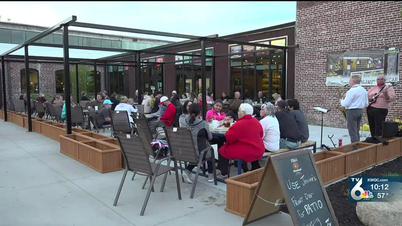 Hundreds around the Quad Cities celebrated Cinco de Mayo by supporting local Mexican restaurants.