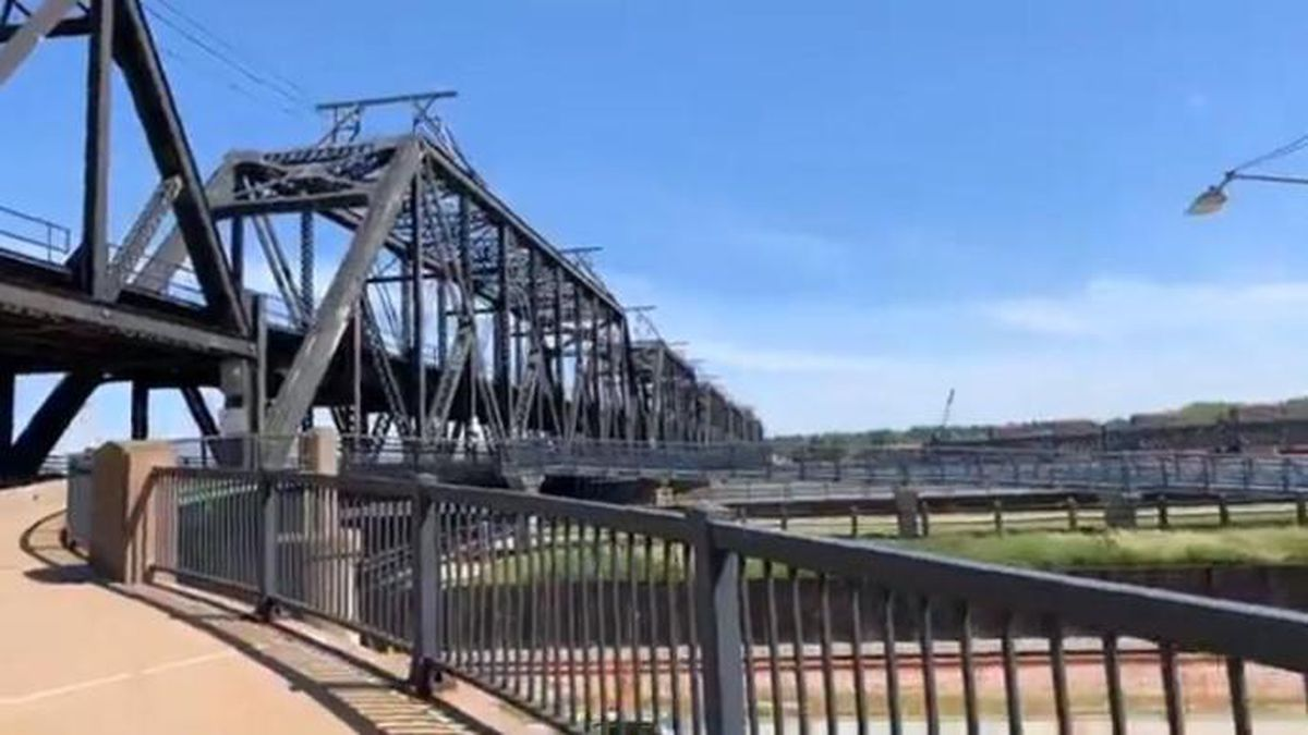 Officials with the Rock Island Arsenal have announced the closure of one lane on the Government Bridge. This is due to emergency work that needs to be done. The work is in support of railroad safety issues and officials say this will require a single lane closure on the bridge. (KWQC)