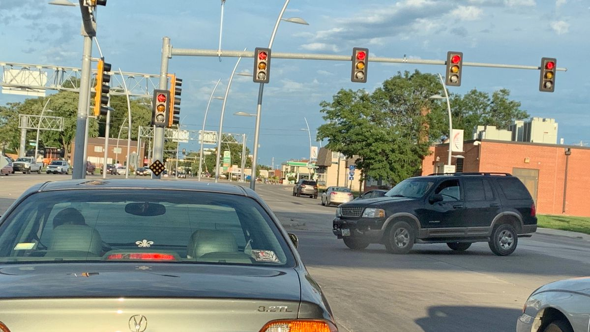 Eastbound Grant Street motorists turning left onto 14th Street in Bettendorf, Iowa, can wait nearly 3.5 minutes on red as of Sept. 10, 2019.