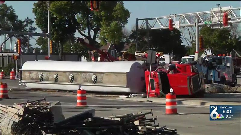 19th Street southbound from 7th Avenue closed after semi tanker overturns in Moline
