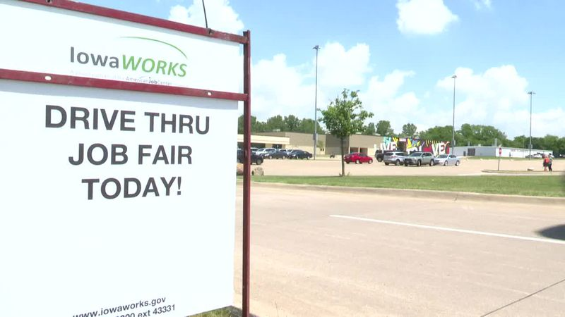 Muscatine Chamber of Commerce and IowaWORKS hold job fair amid labor shortage
