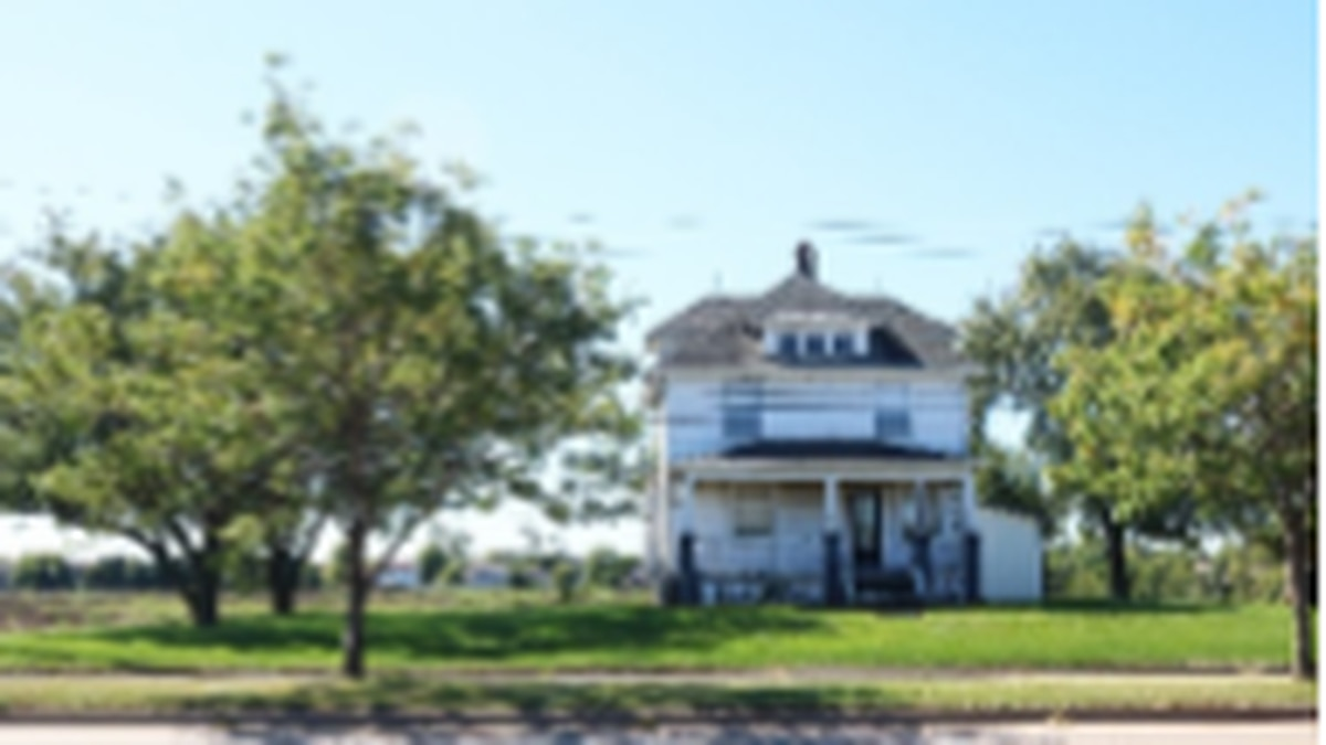 This farmstead is going down off E 53rd St. in Davenport for a new development.