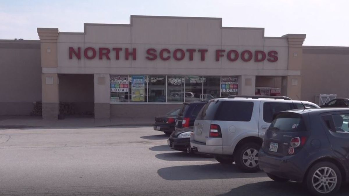 North Scott Foods has seen an increase in shoppers choosing to order groceries by pickup due to COVID-19. (KWQC)