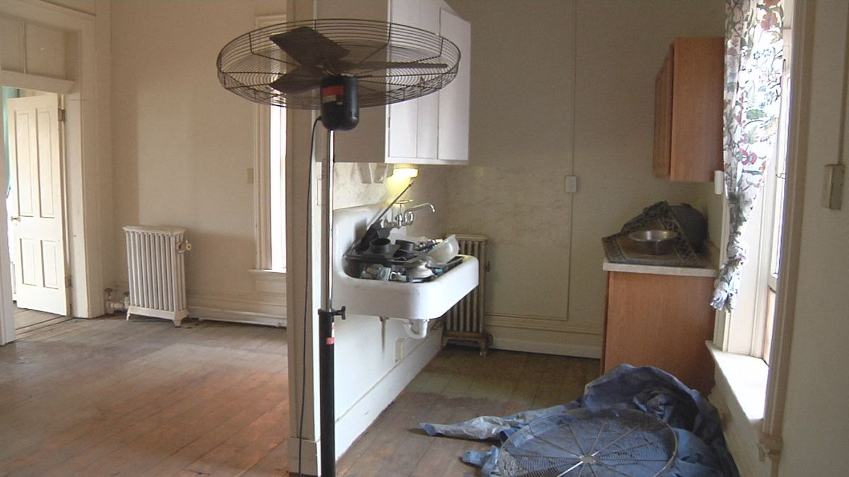One of the six rooms being remodeled by Muscatine Center for Social Action. (KWQC)