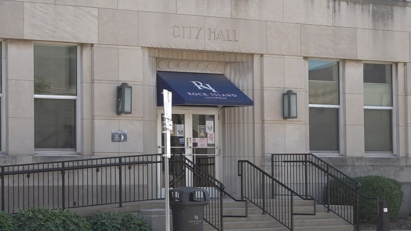 The Rock Island City Council passed a motion Monday to revisit discussion of bar hours in The...