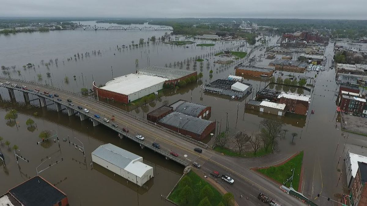 Flooding efforts are ongoing due to the Mississippi River rising. (KWQC)