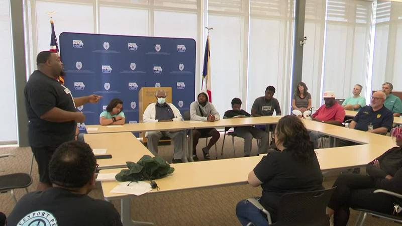 Davenport peace group partners with police department to help stop gun violence