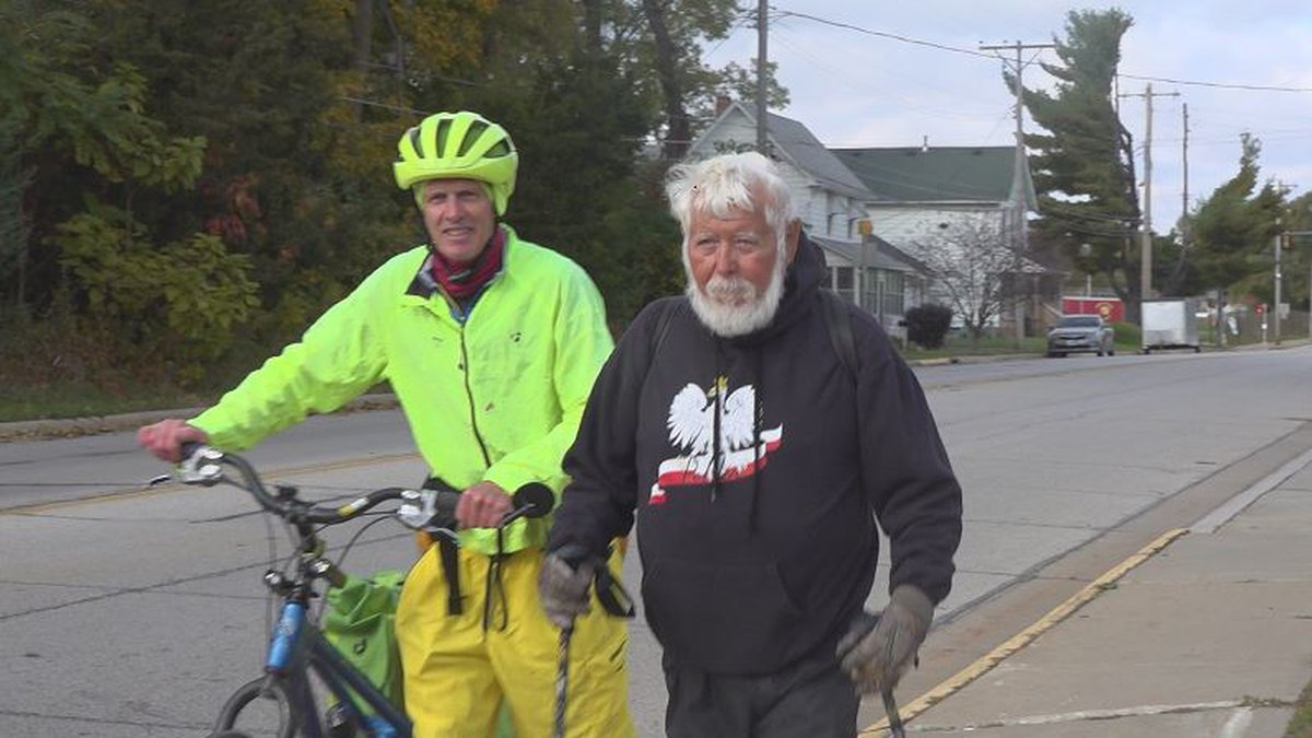 Lyle Lindholm, 87, completed a 320-mile hike on the Rock River Trail on Tuesday. (KWQC)