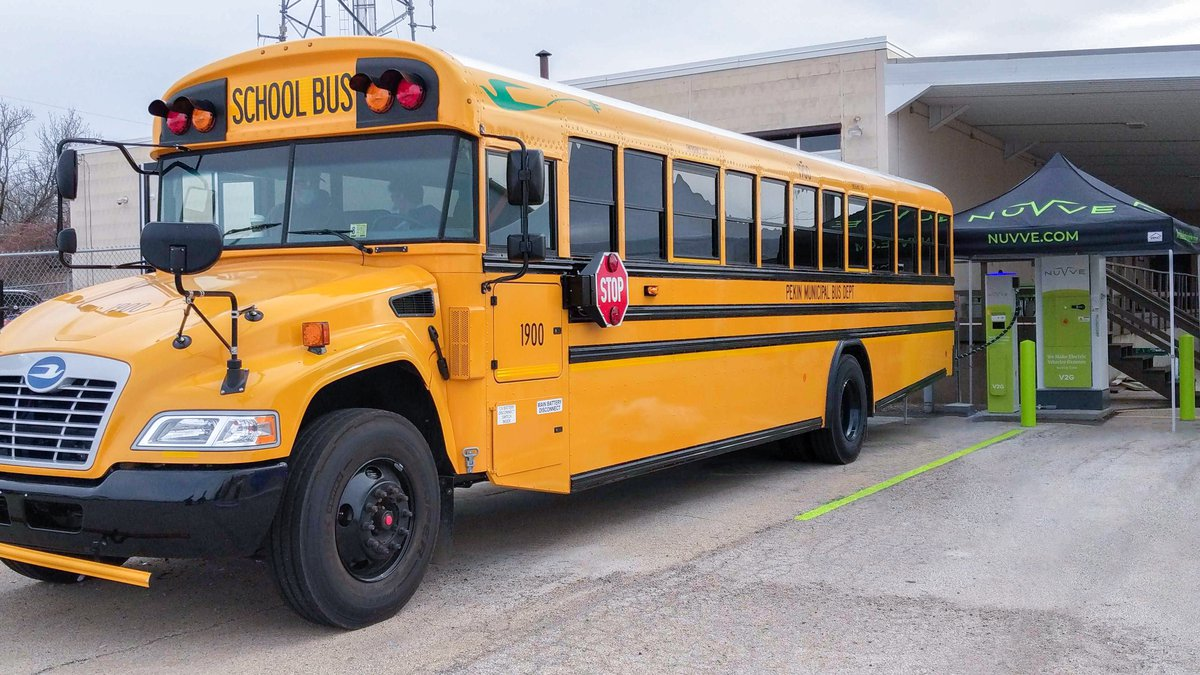 Blue Bird delivers a V2G bus to the Pekin Illinois school district.
